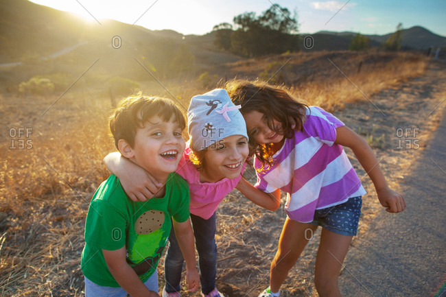 Kids being goofy posing - Offset