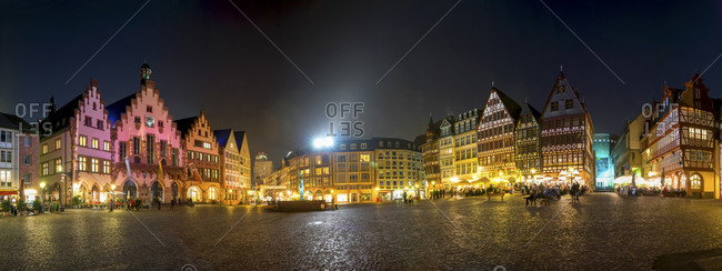 View to townhall square and Roemerberg at night