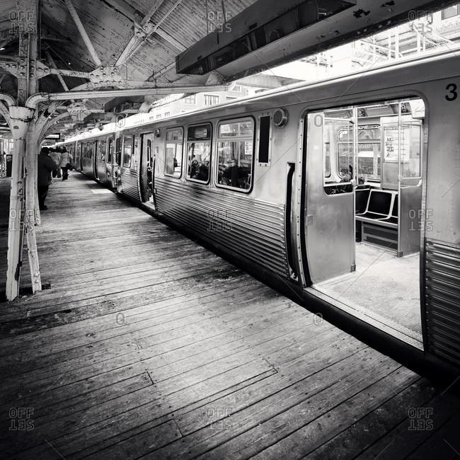 Elevated rail platform in Chicago
