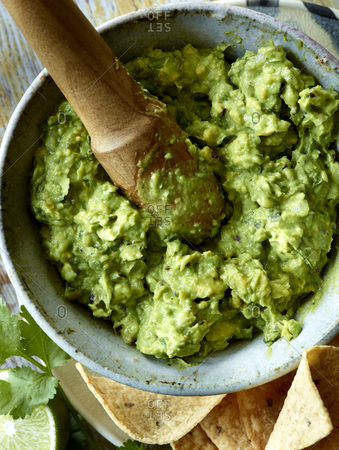 Overhead of guacamole and pestle