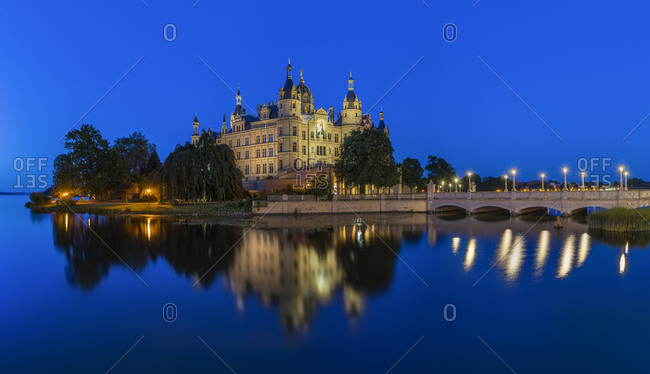 Panoramic view of Schwerin Palace in the evening
