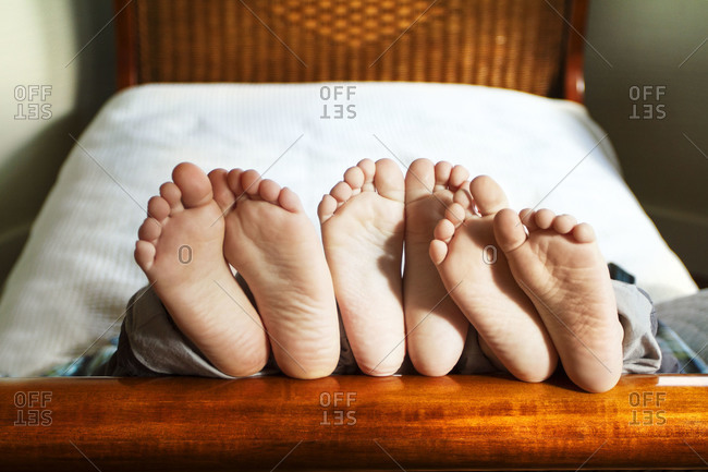 feet of bed 2