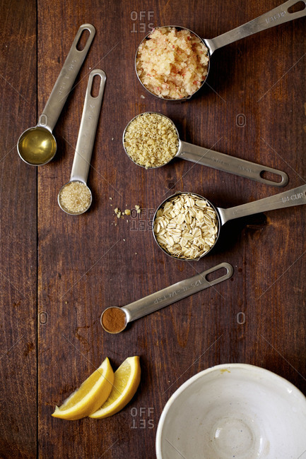 Flavorings for an apple crumble ingredients