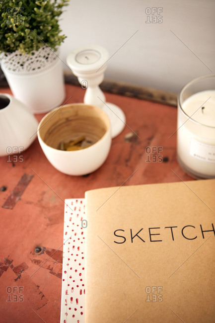 Sketch pad and d�cor