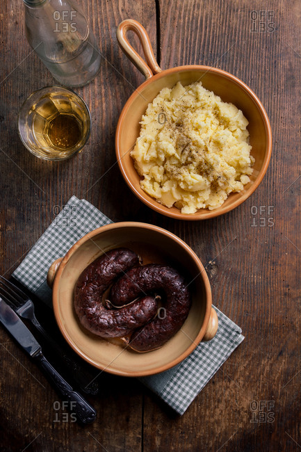Simple sausage and mashed potatoes dinner