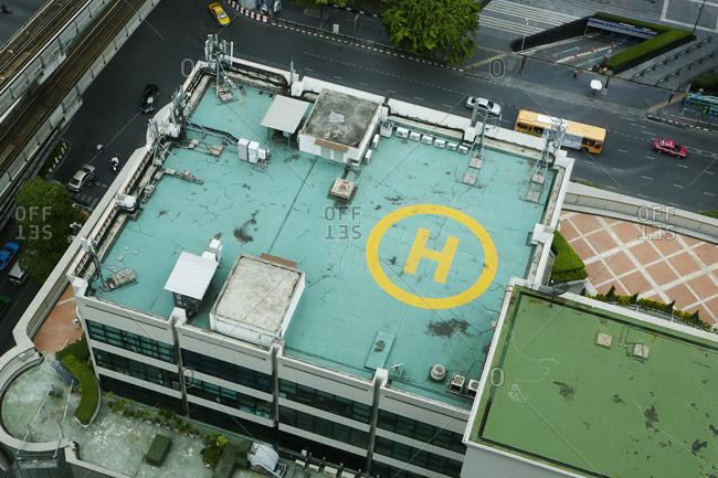 Helipad on hospital roof - Offset