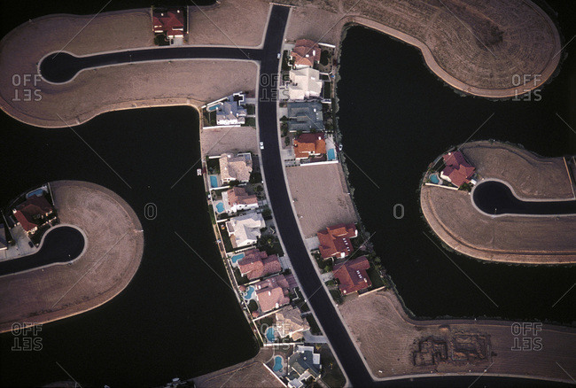Aerial view of a lakeside housing development in Phoenix, Arizona