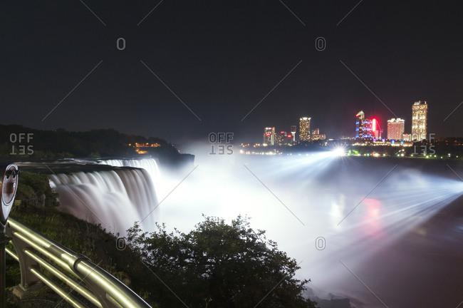 Niagara Falls at night - Offset