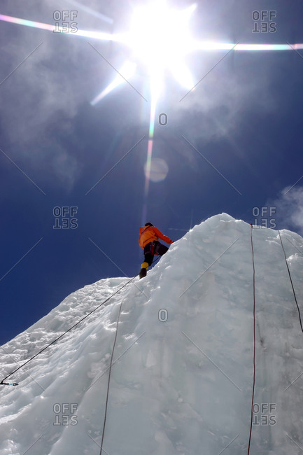 Mountaineers climbing Everest in Nepal