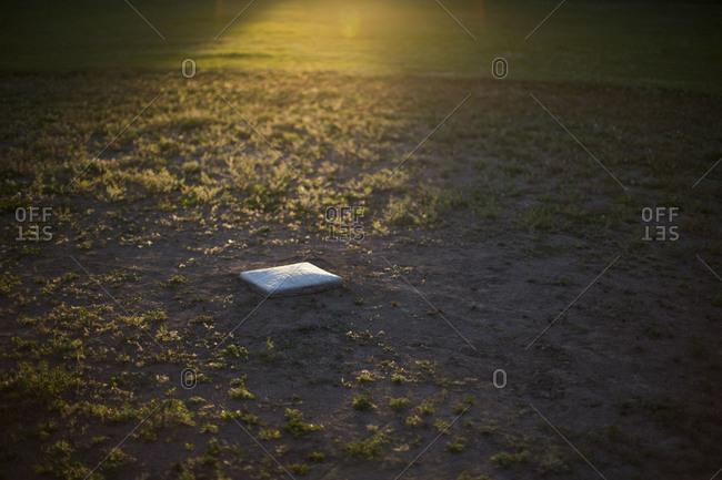 Baseball base and sunlight - Offset
