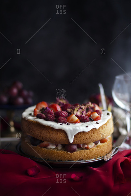 Champagne Sponge Cake with Summer Fruits