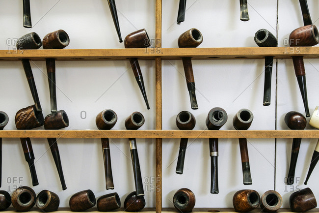 Collection of vintage pipes - Offset