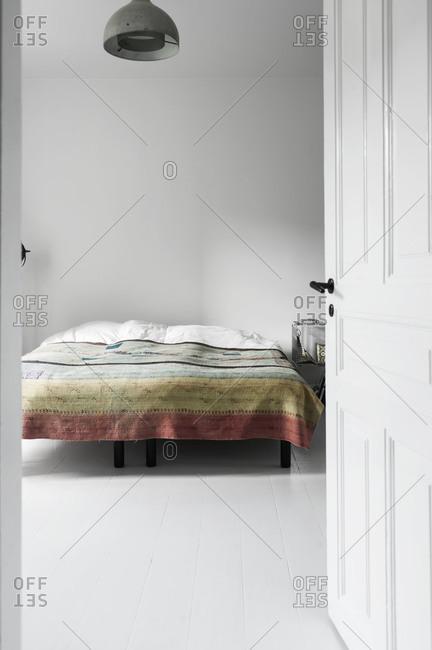 A minimal bedroom