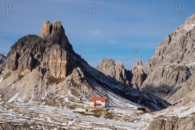 Torre di Toblino and Locatelli refuge on the trail around Tre Cime di Lavaredo, Sesto, Bolzano, South Tyrol, Trentino-Alto-Adige-Sudtirol, Dolomites, Italy