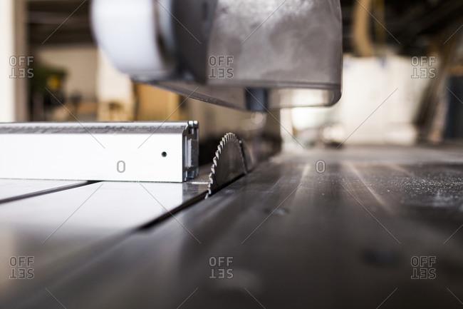 Table saw with circular blade