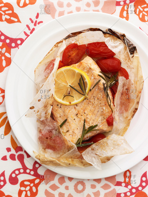 Salmon with tomatoes and rosemary