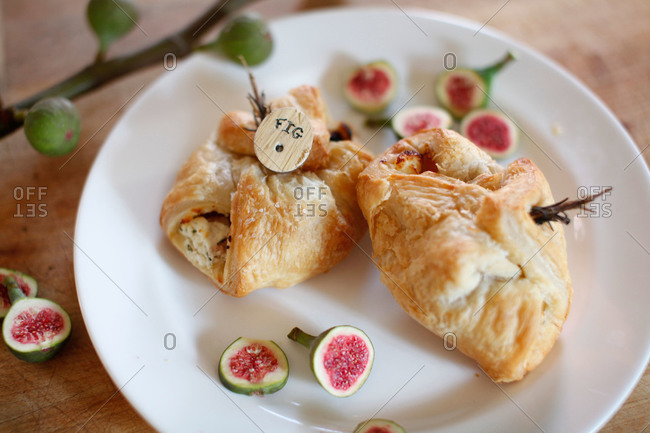 Puff pastry with figs