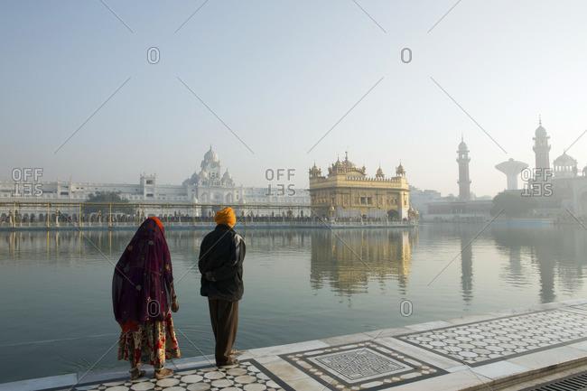 Sikh pilgrims at the Harmandir Sahib in Amritsar, Punjab, India, Asia