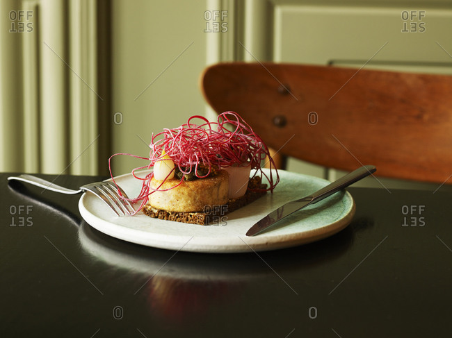 Cod roe on rye bread