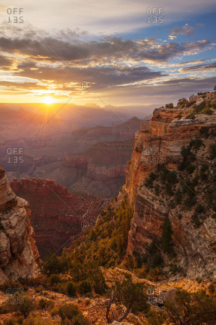 Sunrise over the Grand Canyon as viewed from Maricopa Point