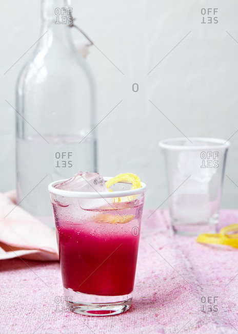 Fizzy cocktail with beet juice