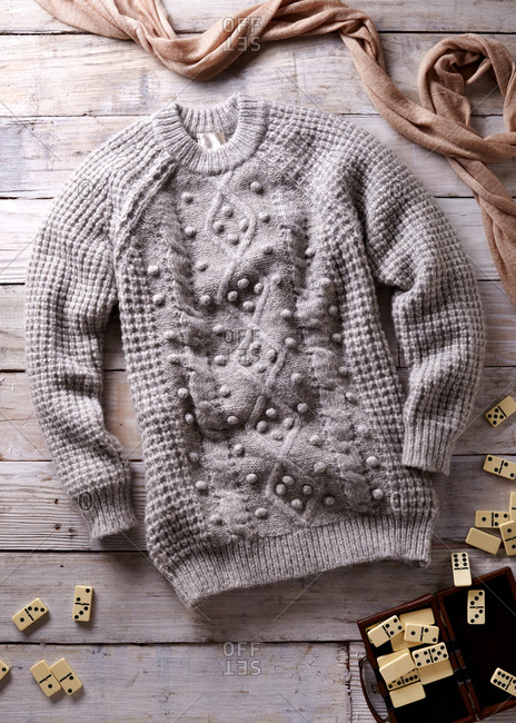 Women's textured sweater with dominoes