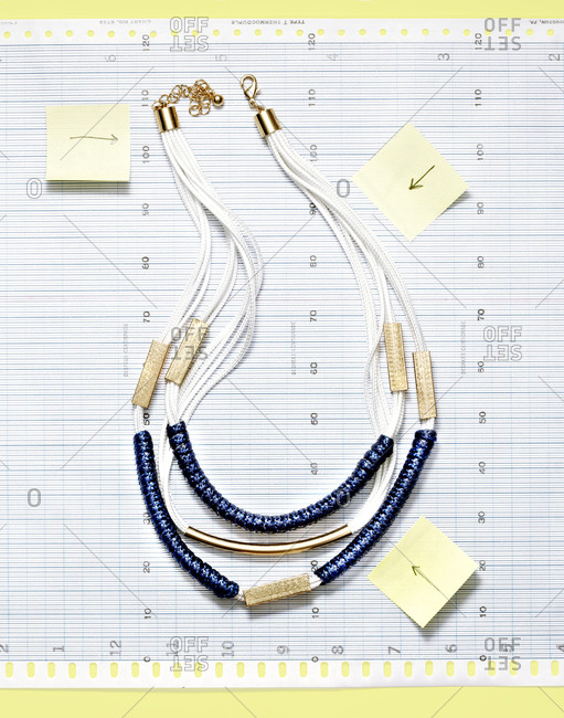 Necklace on graph paper