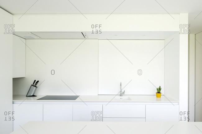 Stark white modern kitchen