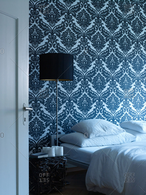 Seamless wallpaper in a bedroom