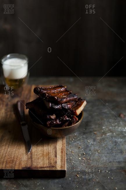 Studio shot of tasty bbq ribs in a bowl