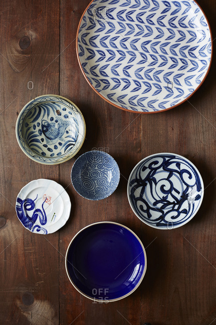 Various dishes with blue patterns