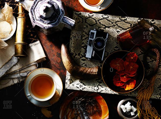 Loose leaf tea and safari kitsch
