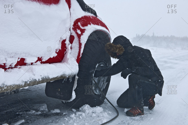 Re Inflating a tires of truck in winter
