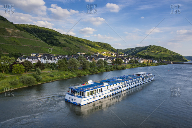 Excursion ship passing Neef village in the Moselle valley