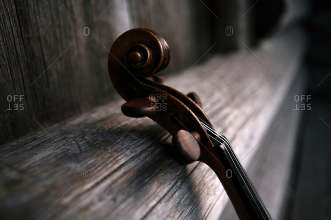 The scroll of a violin