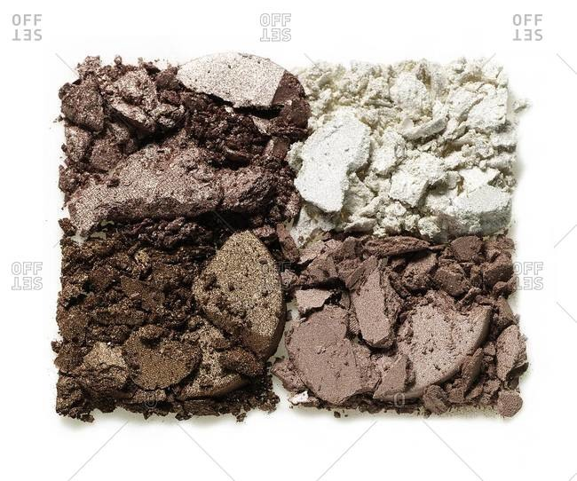 Crushed eye shadow palettes