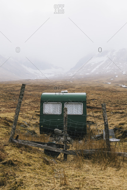 An old trailer on the side of the road beside Bridge of Orchy