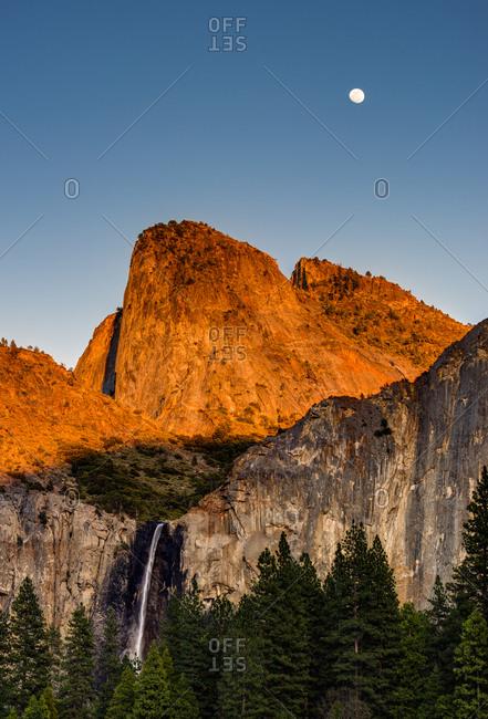 Bridalveil Falls and full moon, Yosemite National Park, California