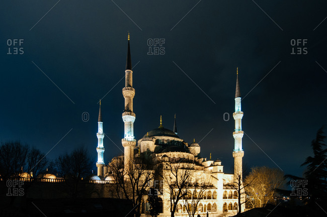 The Sultan Ahmed Mosque in Istanbul, Turkey at night