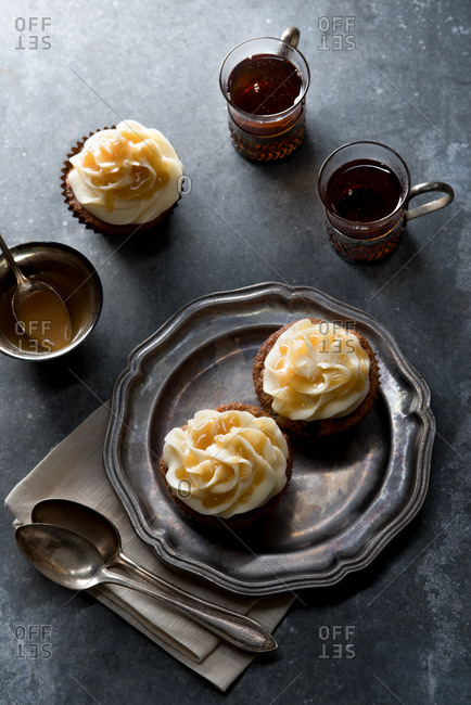 Spice cupcakes with bourbon sauce