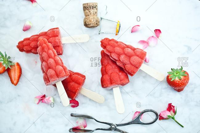 Frozen popsicles in strawberry shape