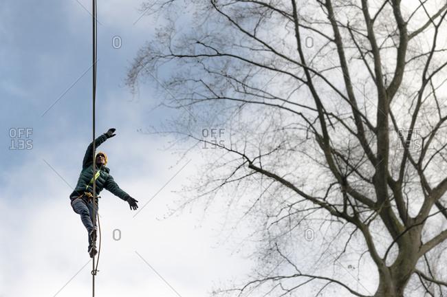 Slackliner walks across a highline