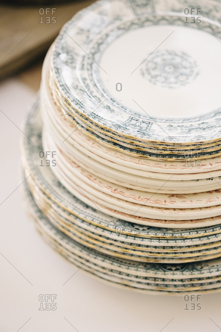Mismatched china plates at a wedding