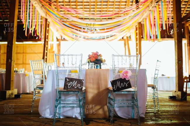 Bridal table in barn