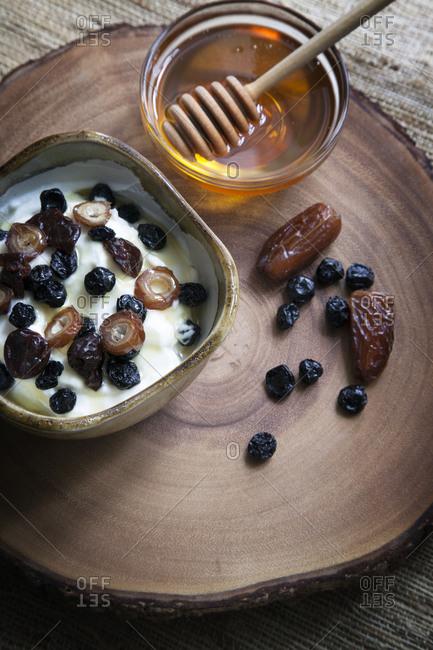 Yogurt with dried fruit and honey