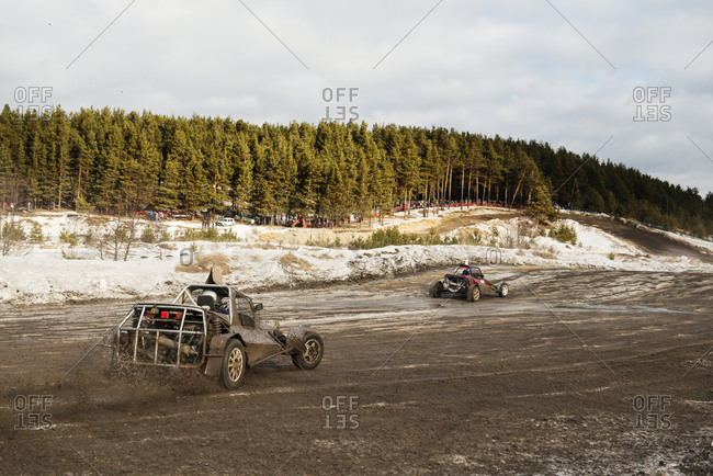 Buggy race in the countryside