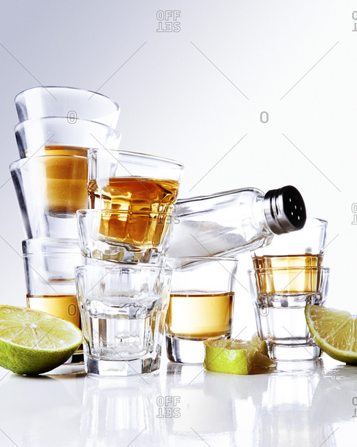 Shot glasses and tequila - Offset