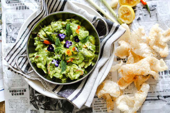 Guacamole served with pork rind