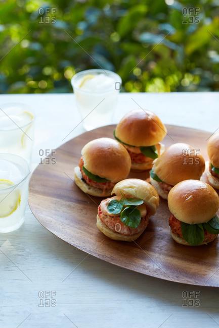 Mini salmon burgers