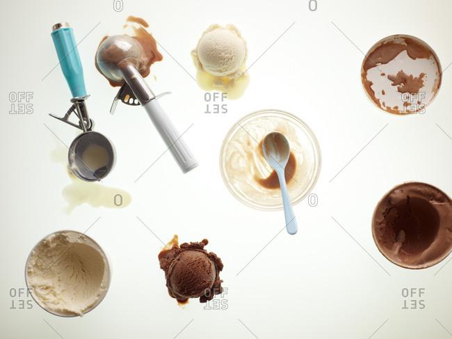 Scoops of chocolate and vanilla ice cream